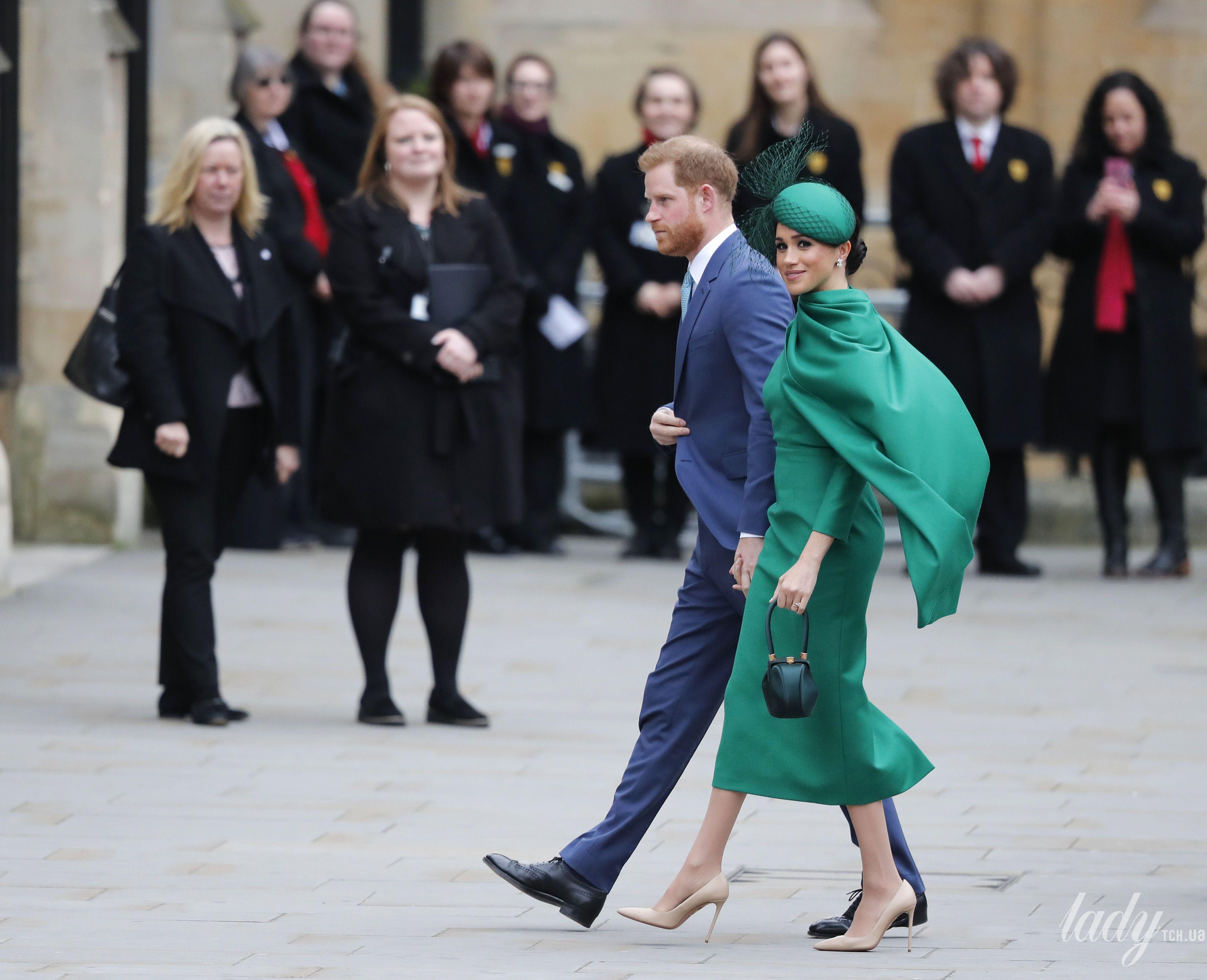 Британская королевская семья на службе_2