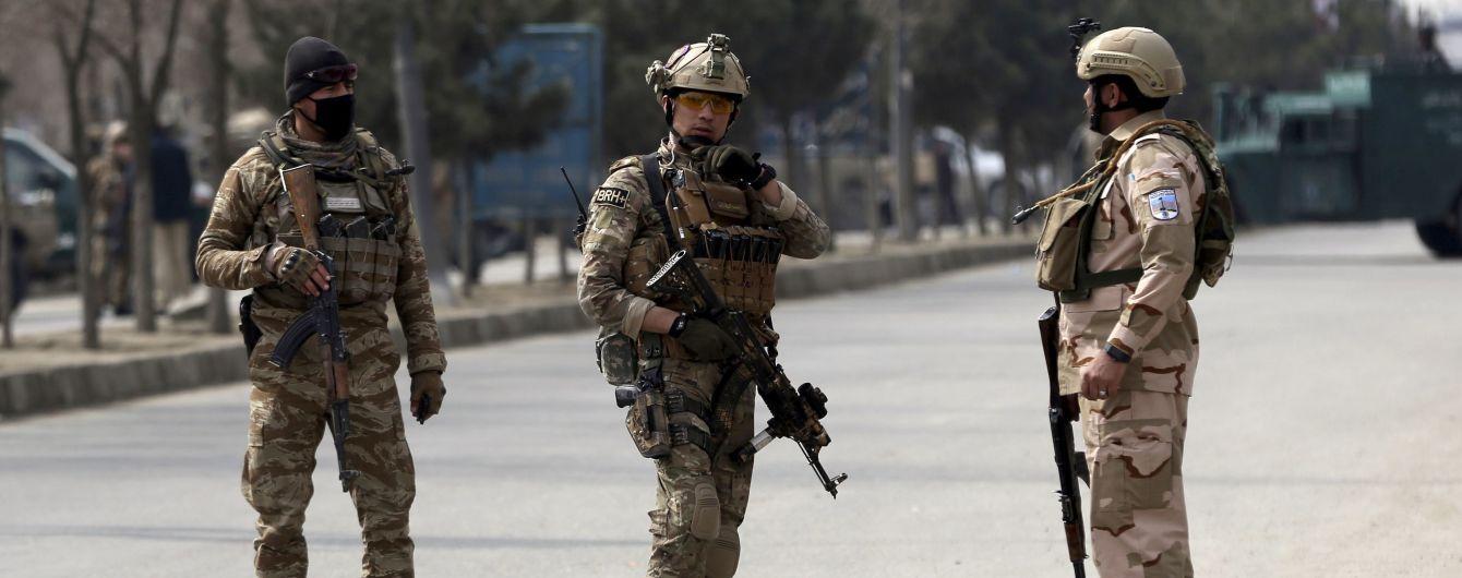 США майже вдвічі скоротять свій військовий контингент в Афганістані