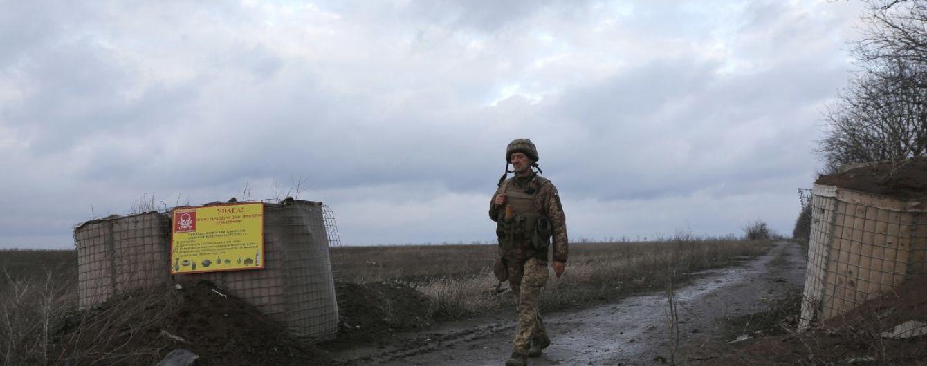 Ситуация на Донбассе: в результате обстрелов ранения получил украинский военный