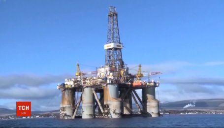 На мировых биржах цены на нефть после резкого обвала снова начали расти