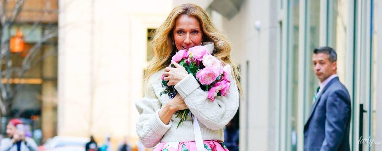 Жінка-весна: яскрава Селін Діон вийшла на вулиці Нью-Йорка у квітковій сукні за 8900 доларів