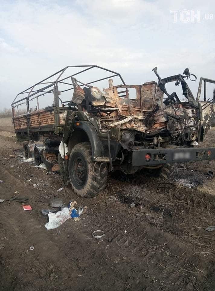 У вантажівку влучив снаряд, 8 березня