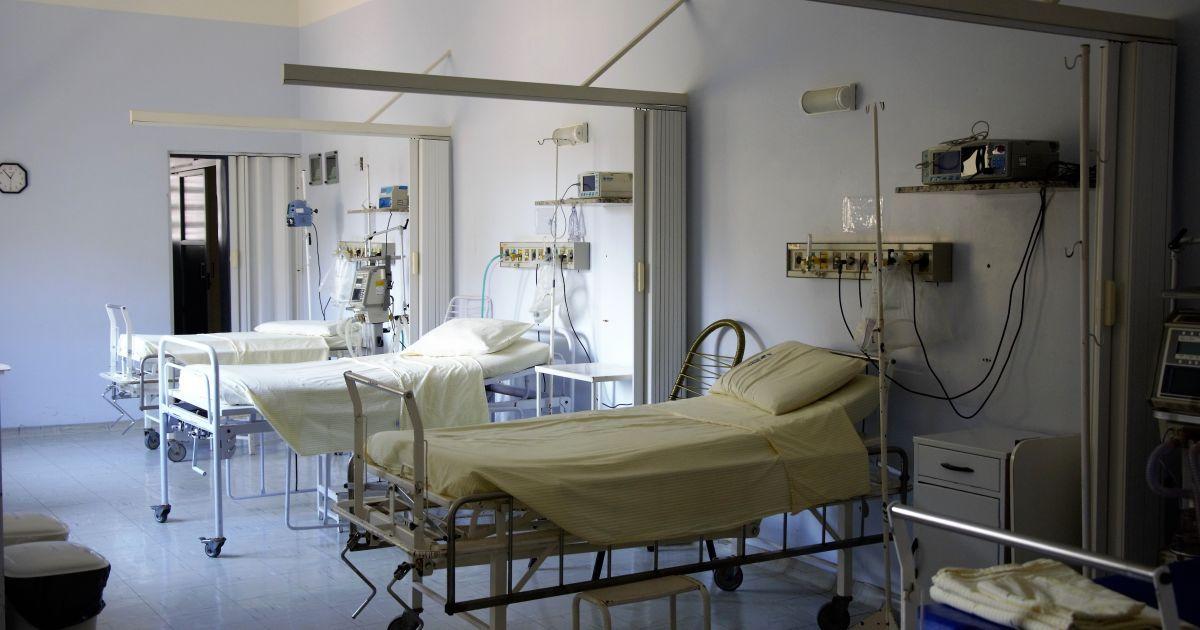 Во Львове от коронавируса умерли главный педиатр города и директор школы