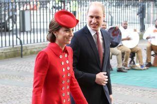 Обожнює червоний колір: два образи герцогині Кембриджської зі служб до Дня Співдружності