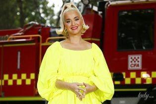 В желтом мини-платье и голубых кедах: беременная Кэти Перри на мероприятии в Австралии
