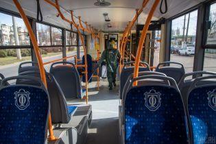 В Киеве в общественный транспорт будут впускать только по спецпропускам