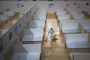 Коронавирус отступает в Китае: Ухань закрыл построенную в разгар эпидемии больницу