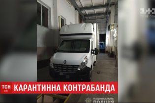 Волинянин намагався вивезти з України 50 тисяч респіраторних масок