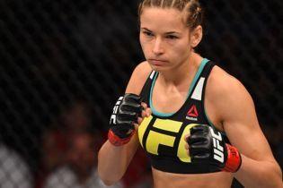Украинский боец с рекордным показателем одержала победу в UFC