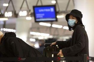 Гонконг відправлятиме усіх прибулих іноземців на домашній карантин