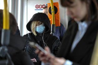 Власть Харькова просит жителей носить маски в транспорте