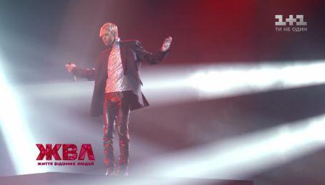 Який ритуал виконує Макс Барських перед виходом на сцену – ЖВЛ побувало на коцерті співака в Мінську