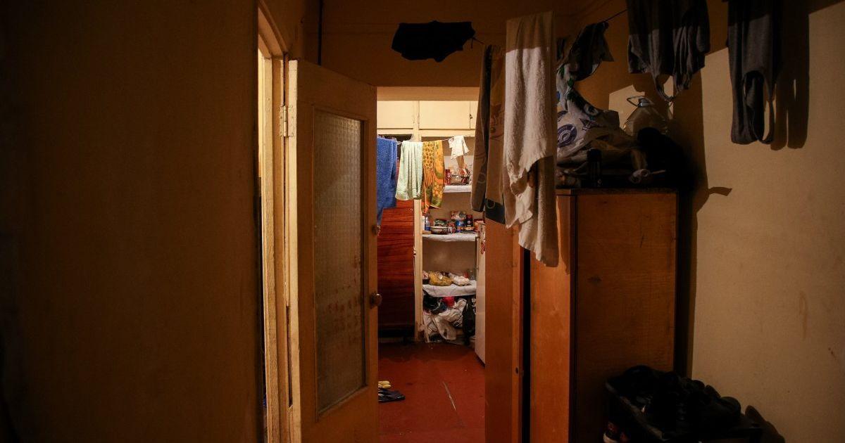 Ни дезинфекторов, ни масок на лице: около 40% общежитий Украины не придерживаются норм карантина