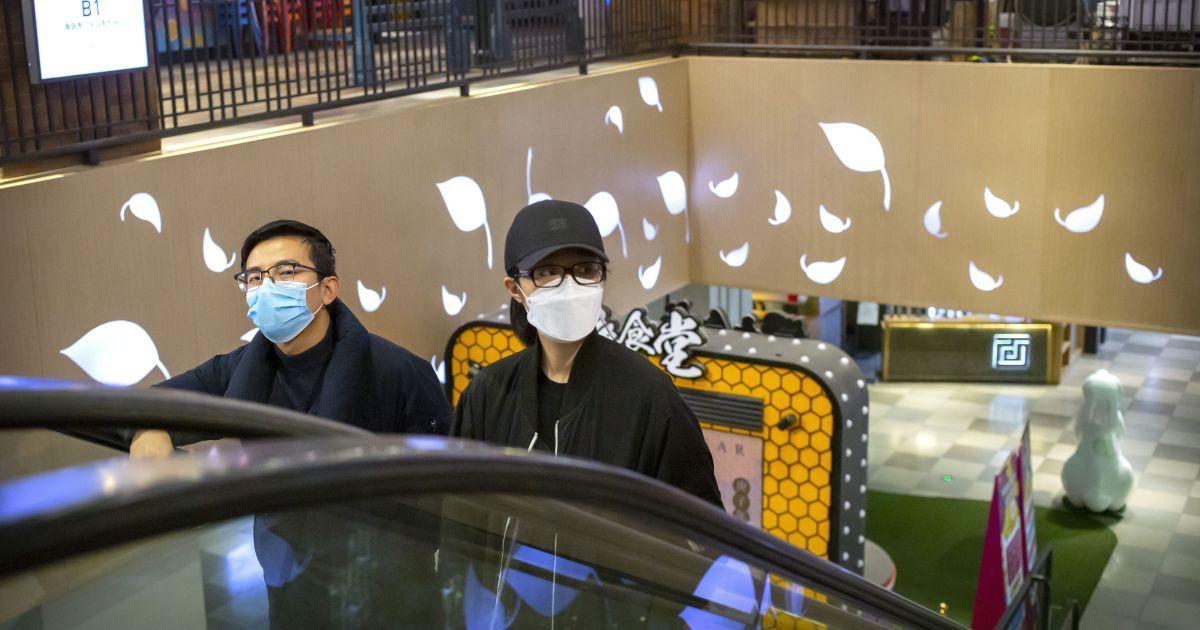 В китайском Ухане почти тысяча людей, которые якобы выздоровели от коронавируса, снова считаются больными