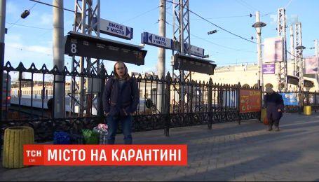 Транспорт на карантині: чи припинили поїзди та автобуси курсувати Україною