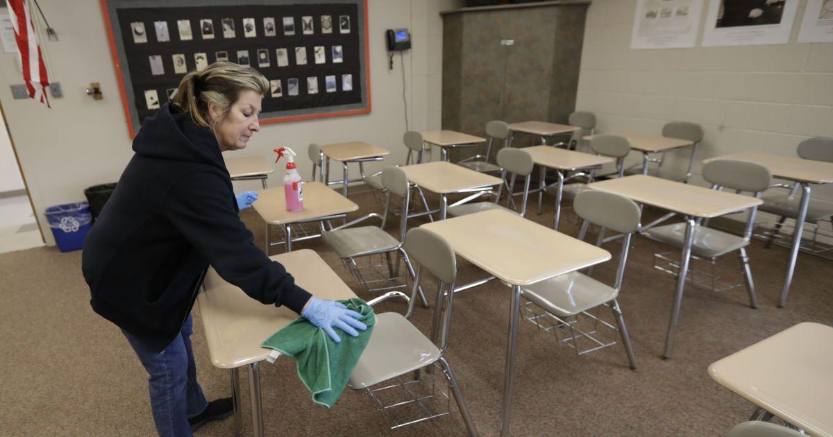 В ЮНЕСКО посчитали, сколько в мире детей оказалась на карантине из-за пандемии коронавируса