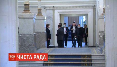 Верховную Раду будут дезинфицировать - депутат Сергей Шахов переболел коронавирусом