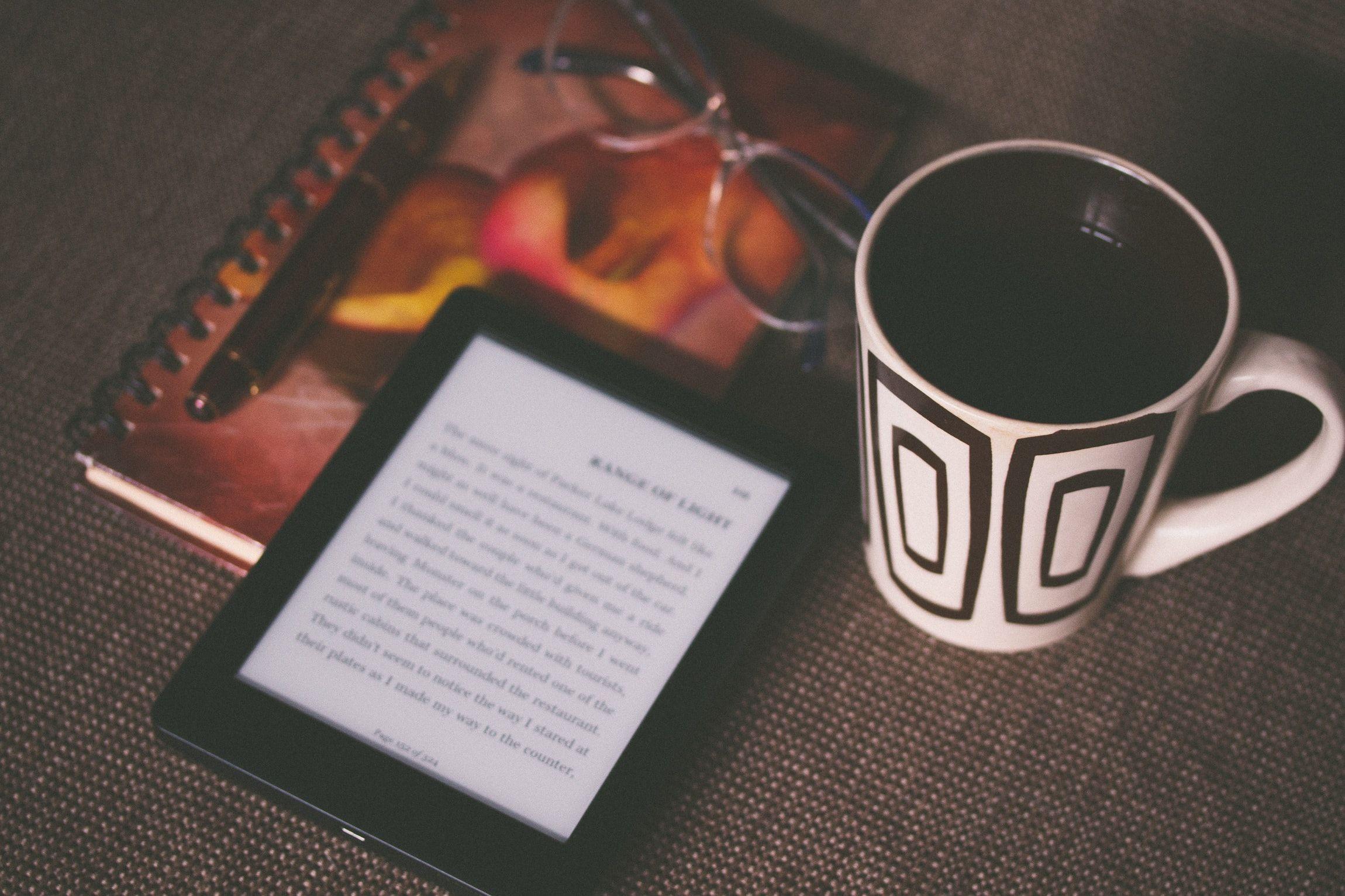 Книжки, читання, електронна книга