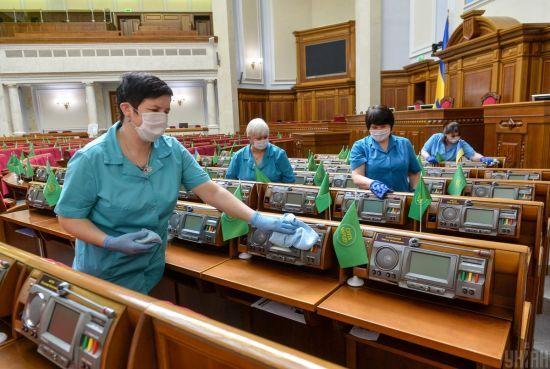 Коронавірус у Раді: сесійну залу продезінфікували, а колеги хворого депутата перевіряються на COVID-19