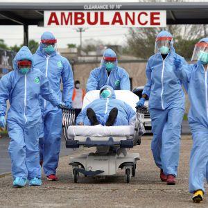 Кількість інфікованих коронавірусом перевалила за 1,2 млн людей
