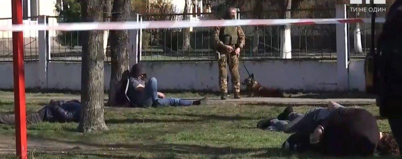 В Киеве с погоней и стрельбой задержали банду злоумышленников