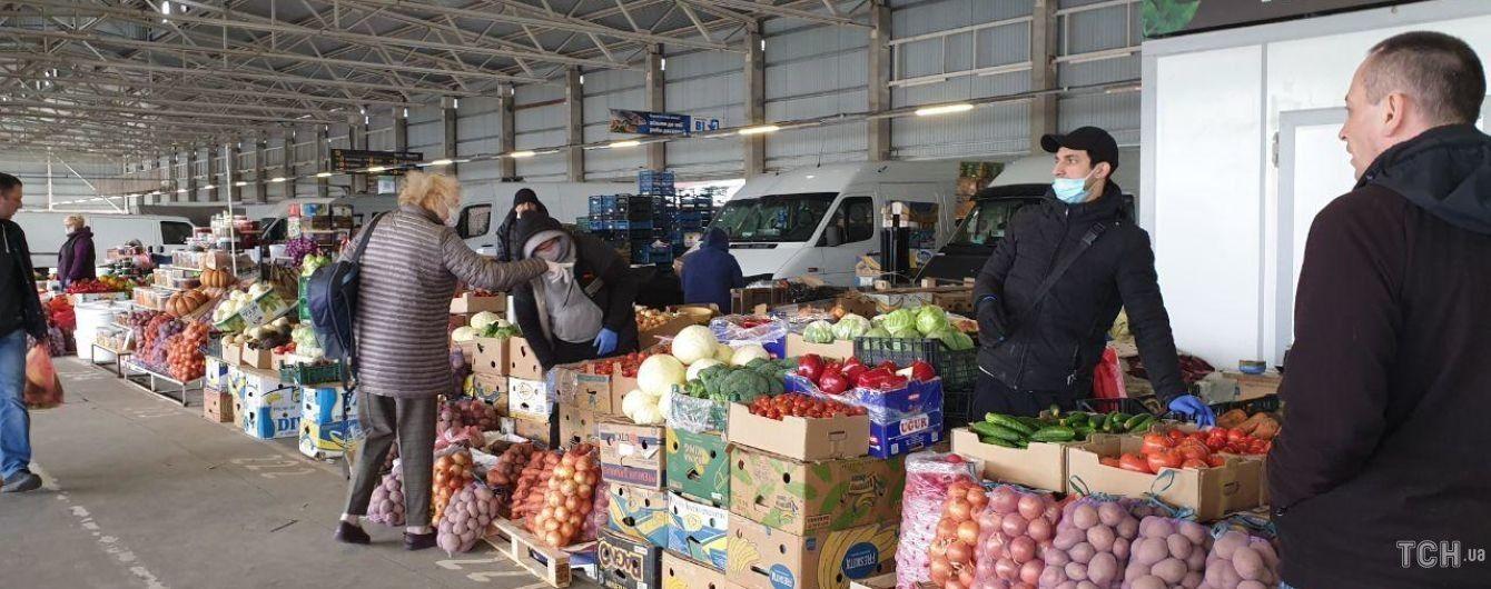 Відсьогодні у Києві відкриються 33 агропродовольчих ринки: у яких районах