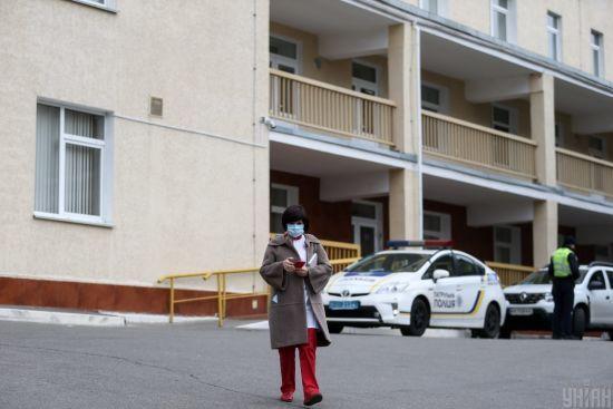У Чернігівській області після спроби втечі з лікарні помер чоловік із коронавірусом