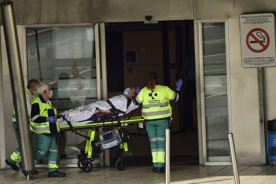 Смертельний антирекорд Іспанії. За добу від коронавірусу померли понад 800 людей