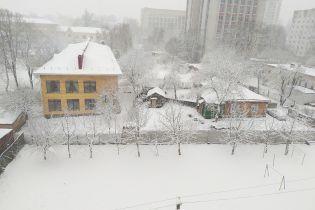 Вот это март. Чернигов завалило обильным снегом