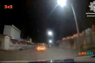 Дрифтовал и не останавливался на светофорах: в Луцке патрульные полчаса пытались задержать нарушителя