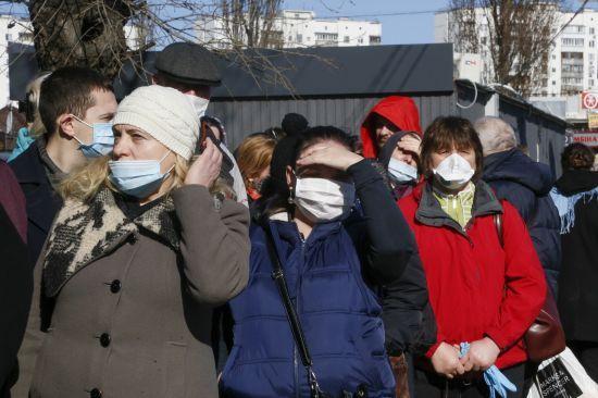 Громадський транспорт у Дніпрі через коронавірус обмежує роботу: пускатимуть пасажирів із спецпропусками