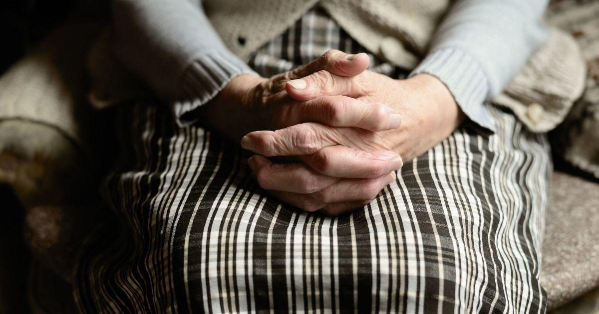 Пенсионерам начали выплачивать обещанные компенсации