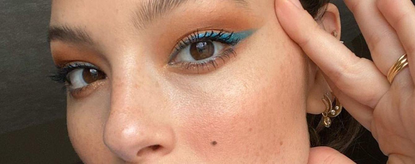 Бути красивою і на карантині: Ешлі Грем показала свій яскравий домашній макіяж