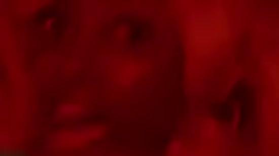 """The Weeknd """"відрубали"""" голову сокирою у новому моторошному кліпі"""