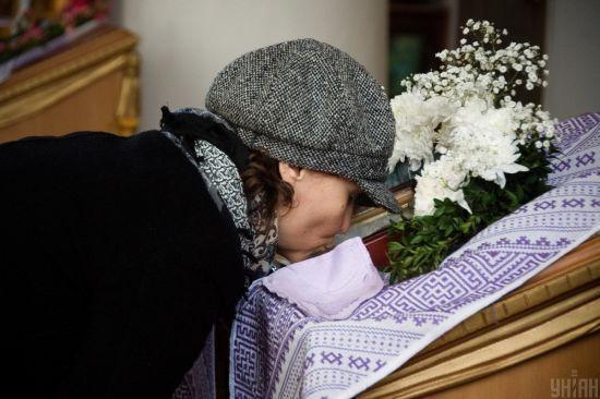 Передають храми медикам і закликають інвестувати в людські життя: церкви борються з коронавірусом