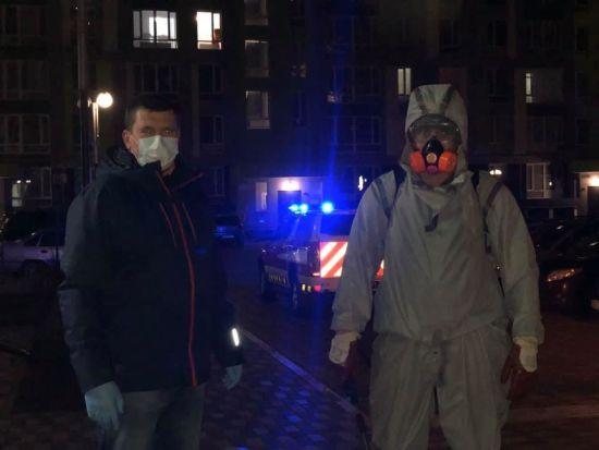 В Ірпені провели дезінфекцію будинку, в якому виявили заражену коронавірусом вагітну жінку