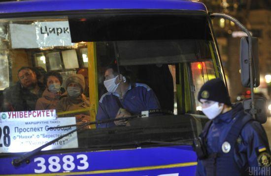 Чекати ще довго: Криклій назвав терміни відновлення роботи громадського транспорту