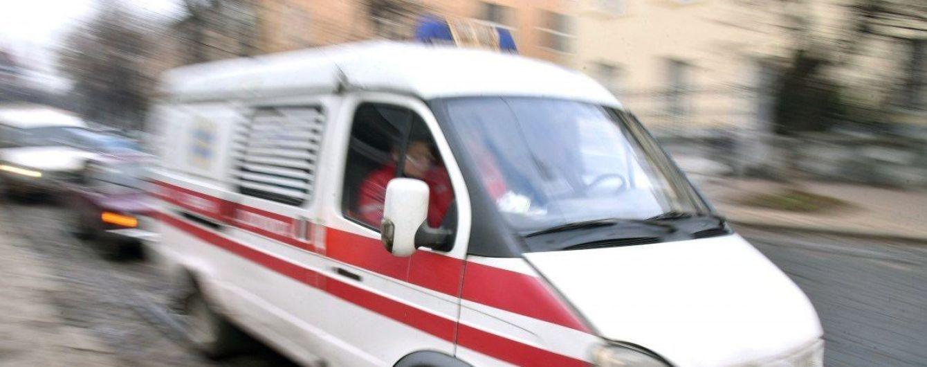 В Одесі жінка і 7-річна дитина випали з вікна п'ятого поверху житлового будинку