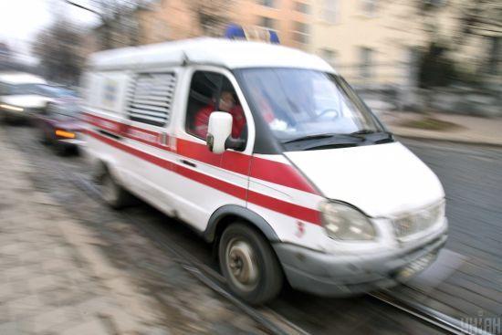 У Дніпропетровській області на трасі зіткнулись легковик та вантажівка: є жертви