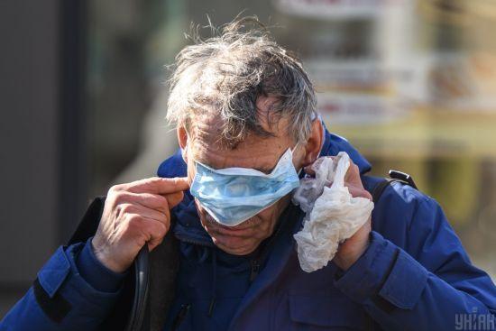 Карантин через коронавірус: поліція виписала перші штрафи українцям без масок