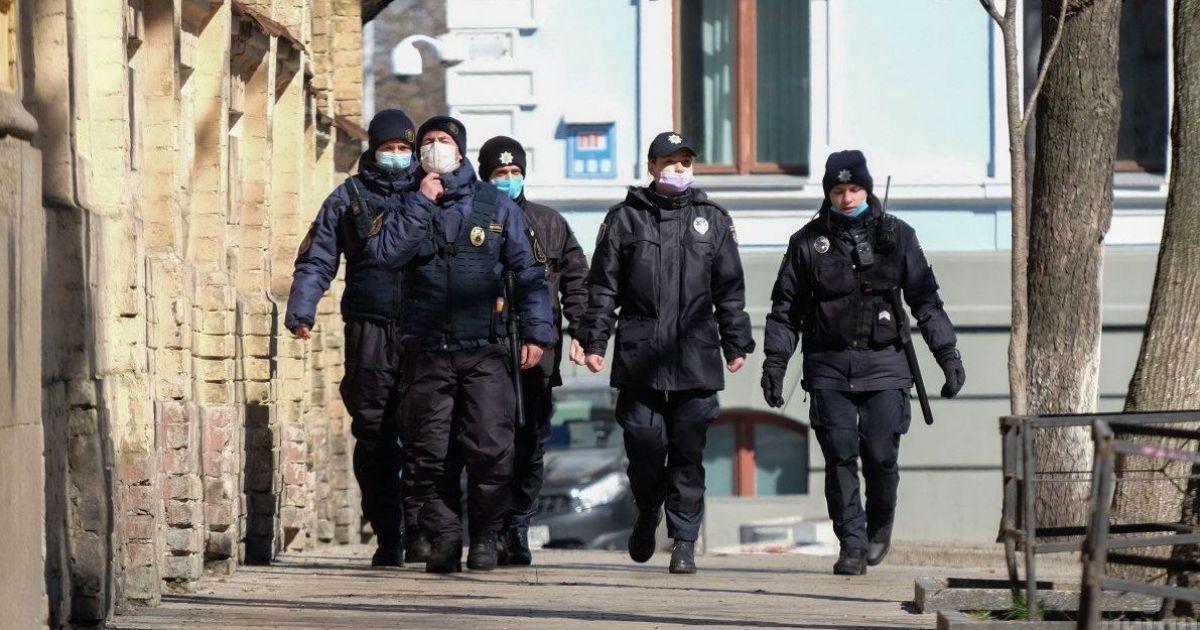 Полиция открыла 35 уголовных производств за нарушение карантина