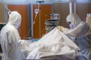 Получила положительный результат теста: в Сумской области скончалась пациентка с подозрением на коронавирус