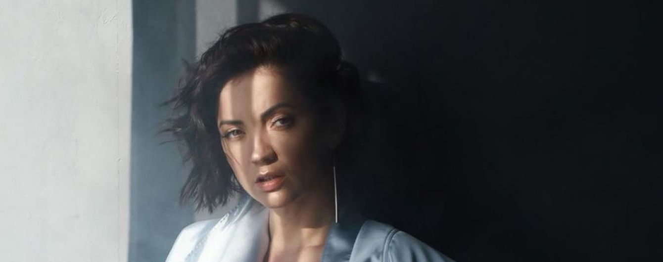 В кружевном боди с прозрачным декольте: Оля Цибульская продемонстрировала сексуальный образ