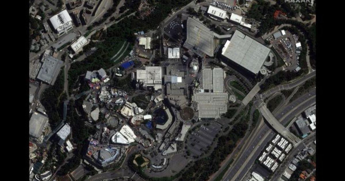 Студия Universal в Голлівудію 22 марта 2020 @ Satellite image © 2020 Maxar Technologies