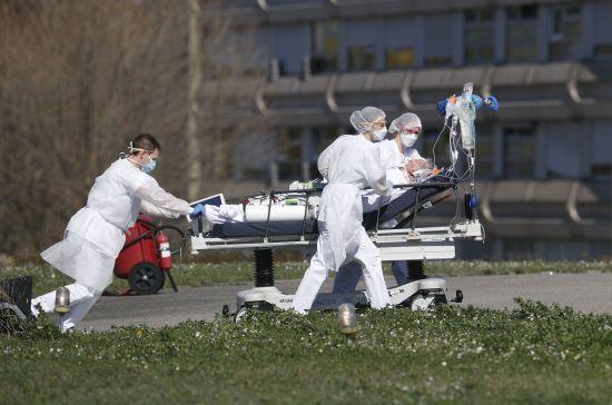 Кількість заражених коронавірусом людей у світі сягнула пів мільйона