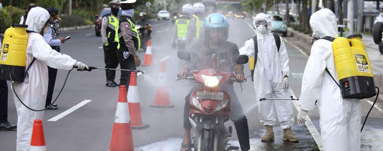 В Индонезии фиксируют рост смертности от коронавируса: за сутки 20 умерших