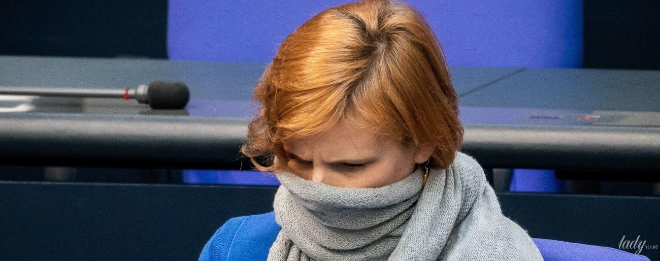 А что так можно было: немецкий политик пришла на заседание Бундестага с шарфом на лице