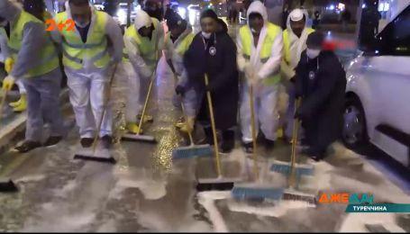 В Турции коммунальщики массово вышли на генеральную уборку