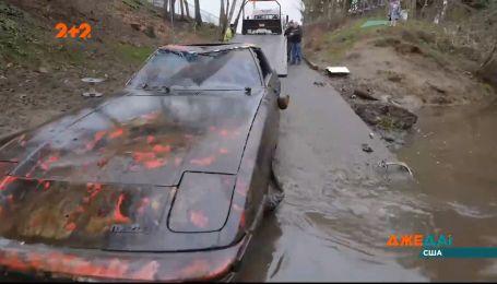 В городе штата Орегон вытащили со дна реки дорогой внедорожник