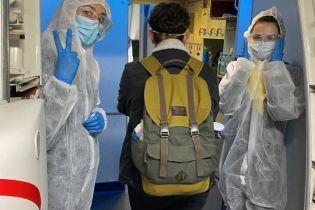 Пандемія коронавірусу: до України з США вилетіли понад 350 наших громадян
